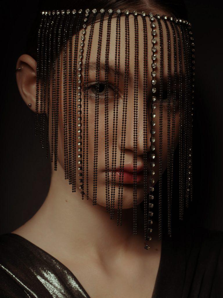 Low key beauty portrait by Jana Anhalt